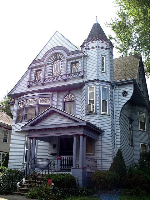 House In Bowling Green Ohio Queen Anne Victorian Homes Queen Anne House Old Victorian Homes