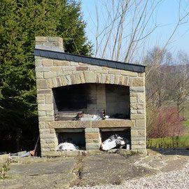 Mobilier De Jardin En Pierre Naturelle Les Grès Du Condroz Idées - Barbecue de jardin en pierre