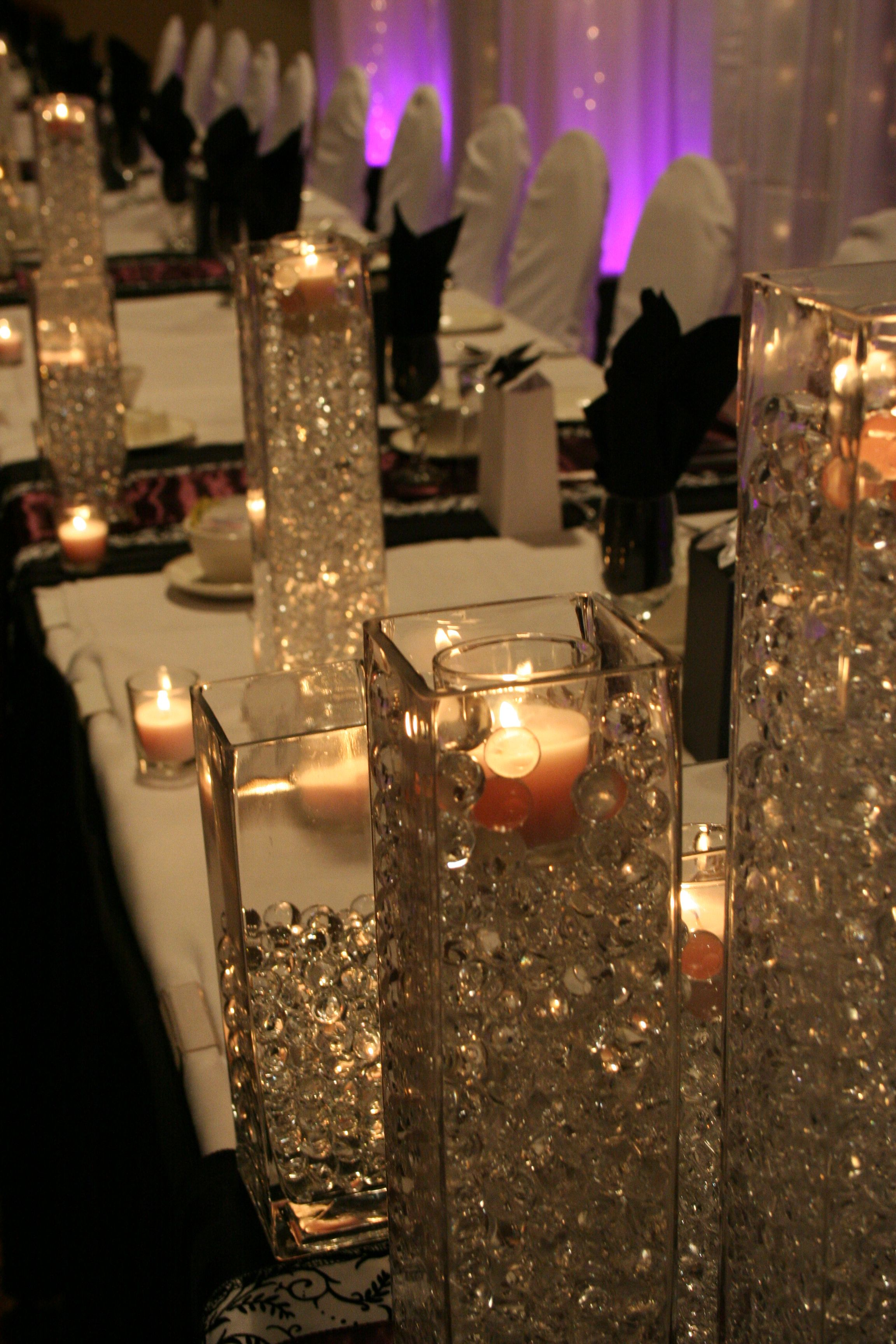 Flowerless Centerpieces Vases Filled With Clear Crystals Mesas
