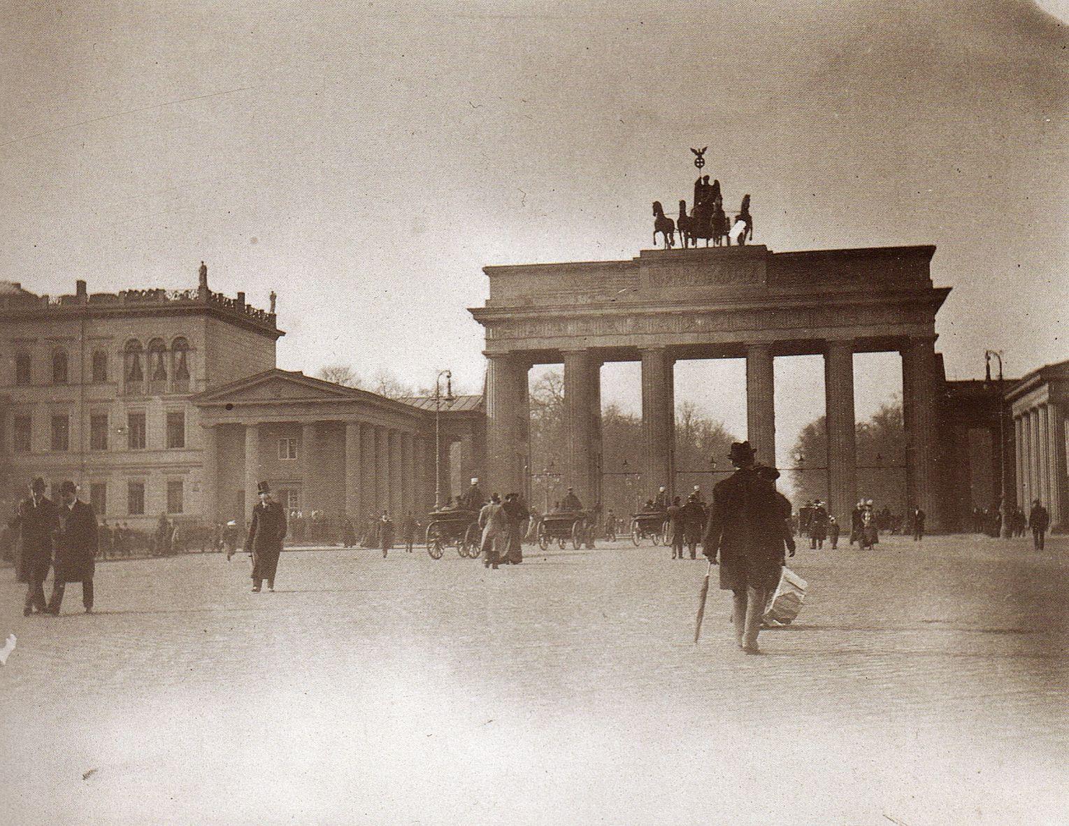 Berlin Brandenburger Tor O P Um 1895 Brandenburger Tor Berlin Historische Fotos Berlin