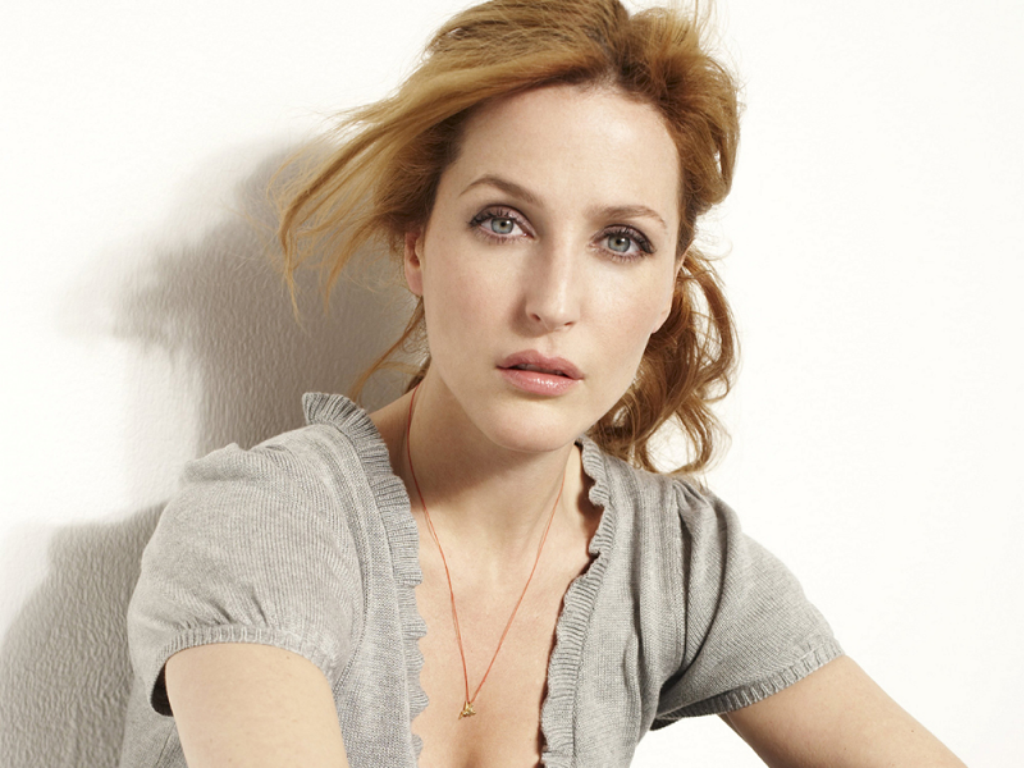 Gillian Anderson Height, Weight, Bra, Bio, Figure Size
