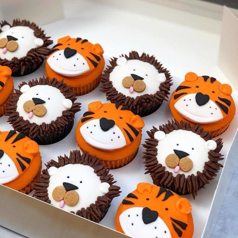 Lions & Tigers Character Cupcakes (With images) Lion