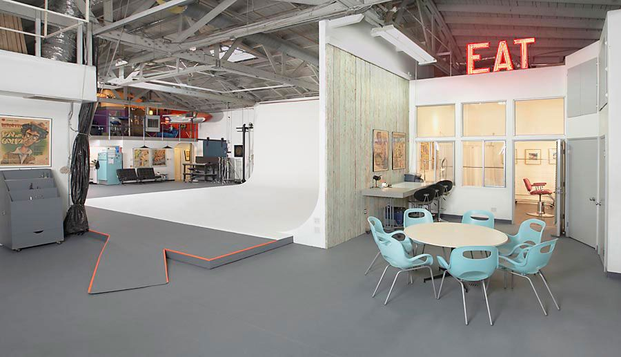 Mccaddenspace Studio Is A Fully Equipped 3500 Sq Ft Video Stage And Photo Studio Los Angelesmccaddenspac Home Photography Studio Design Dream House Interior