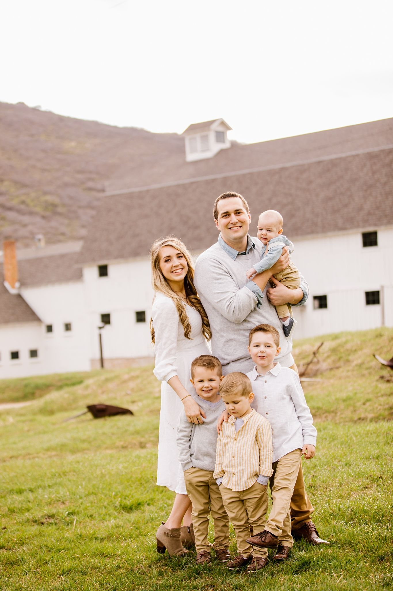Extended Family Session! | Family Photos at McPolin Farm in Park City, Utah by Lizzie B Imagery. Utah Family and Wedding Photographer. Contact us to schedule a session for your family! #extendedfamilyphotography