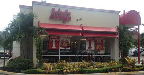 Arby's REFUSED SERVICE to uniformed cop; PR cleanup after chief demands apology