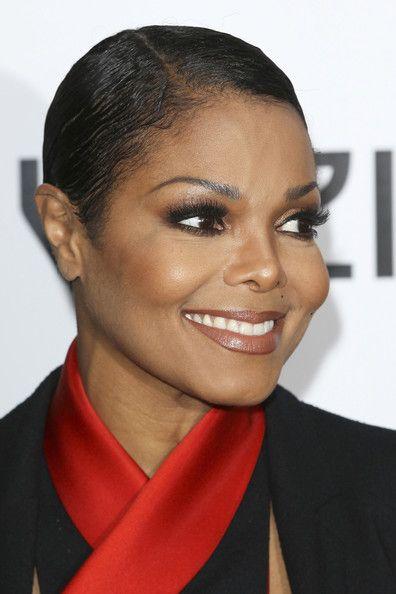 Janet Jackson Short Straight Cut