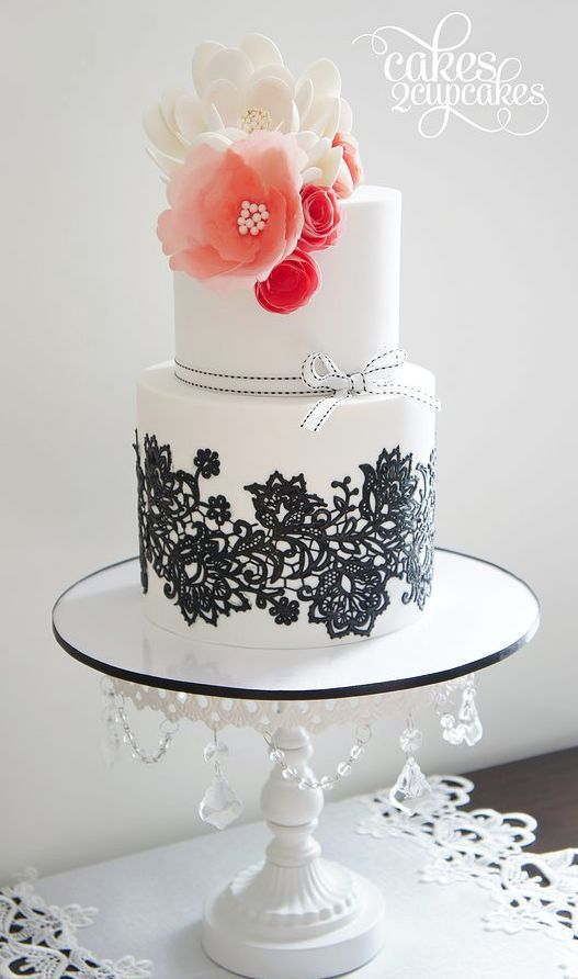 easy ways to decorate a wedding cake 30 beautiful ways to style your quinceanera with lace 13834
