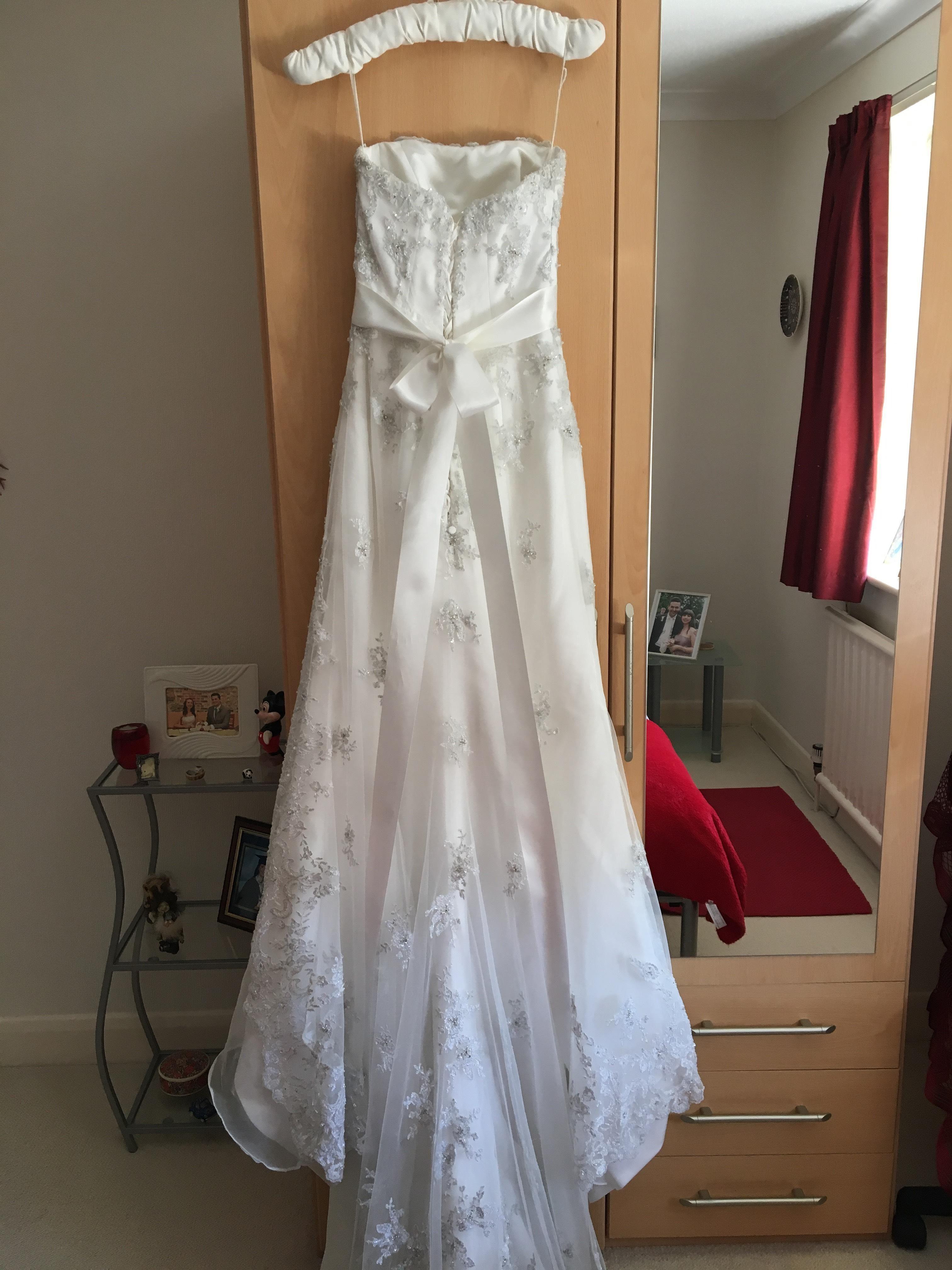 Maggie Sottero Tamara Dress Size 6 8 Sell My Wedding Dress 450 00 In Stock Sell My Wedding Dress Online Wedding Dress Dresses