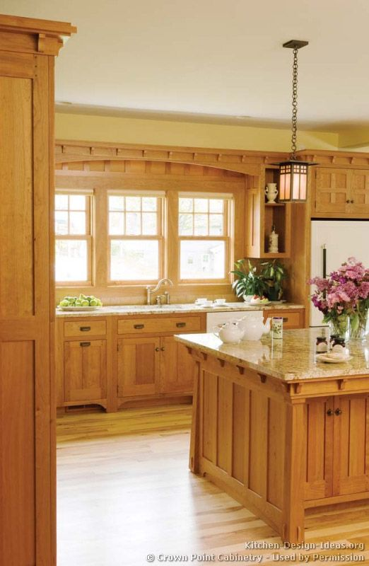 Traditional Light Wood Kitchen Cabinets #05 (Crown-Point.Com