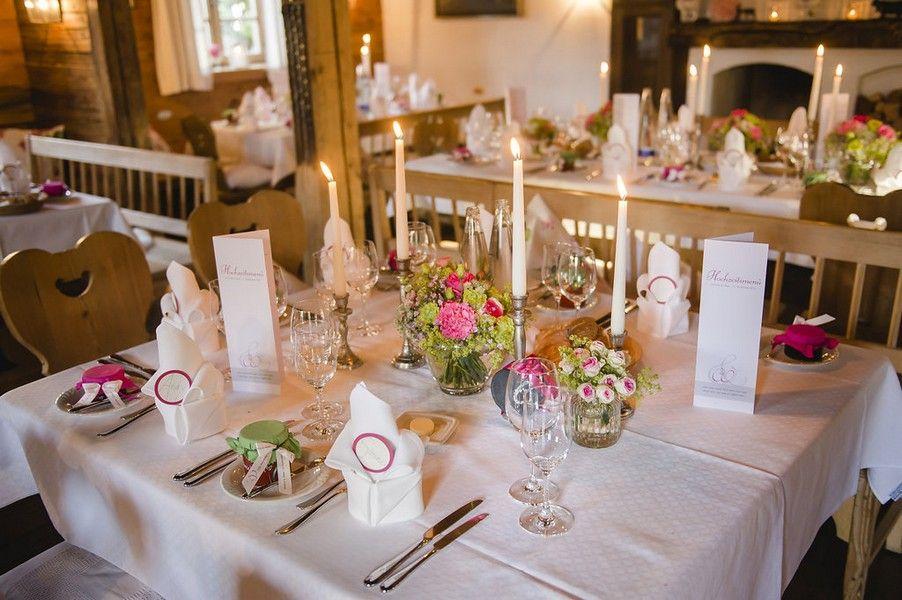 Klassische Hochzeit Am Tegernsee In Pink Grun Und Weiss Hochzeitsblog Hochzeitsgezwitscher Hutte Hochzeit Trachten Hochzeit Hochzeit