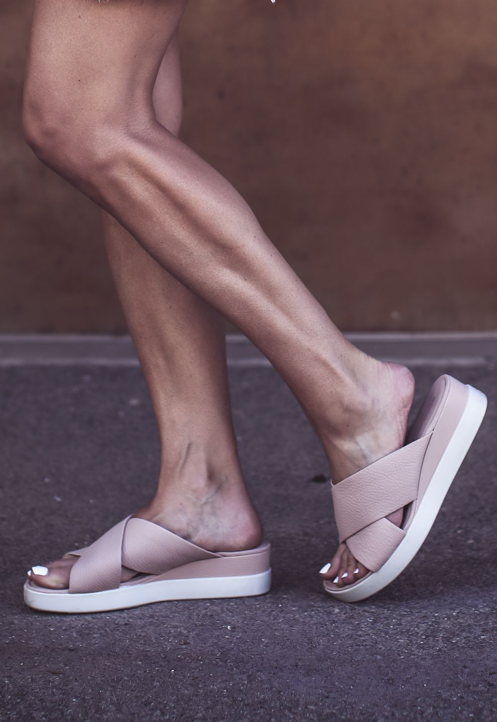 The Most Comfortable Sandals Ecco Fashion Blogger Erin Busbee Most Comfortable Sandals Comfortable Sandals Ecco Shoes Women