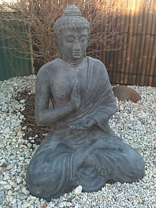 I love Buddha statues they give me a sense of peace and calm <3 <3