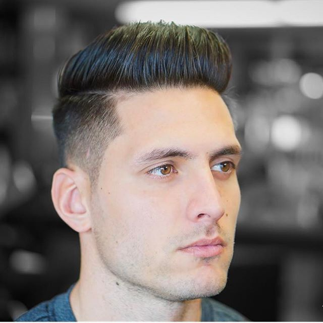 Medium Length Top Layered To Add Movement Disconnected Completely From Lower Half For Convenience Gradient Cr Master Barber Haircuts For Men Mens Hairstyles