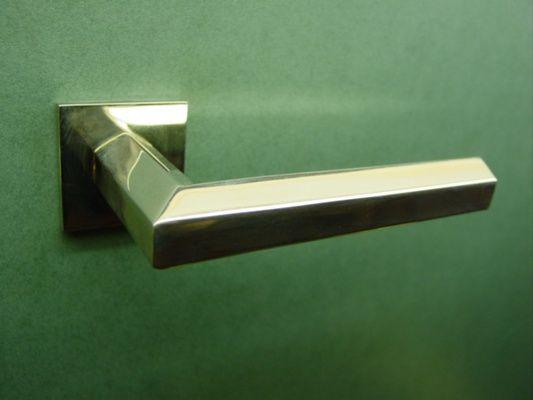Pebbles door handle - Vervloet Cat. No. 1518, Hexagonal lever handle with rose and escutcheon