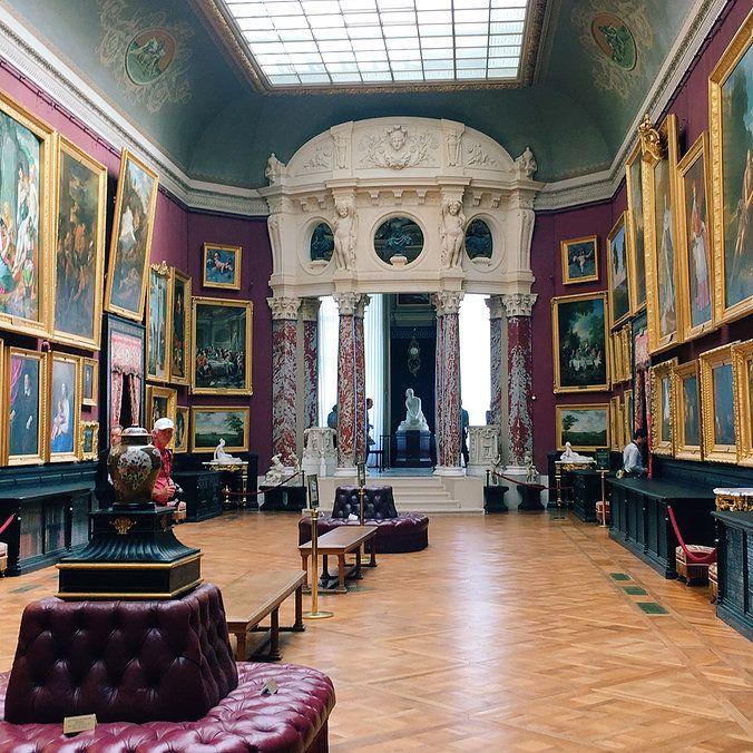 Les galeries de peintures domaine de chantilly france travel art castle france pinterest france mansion and palace