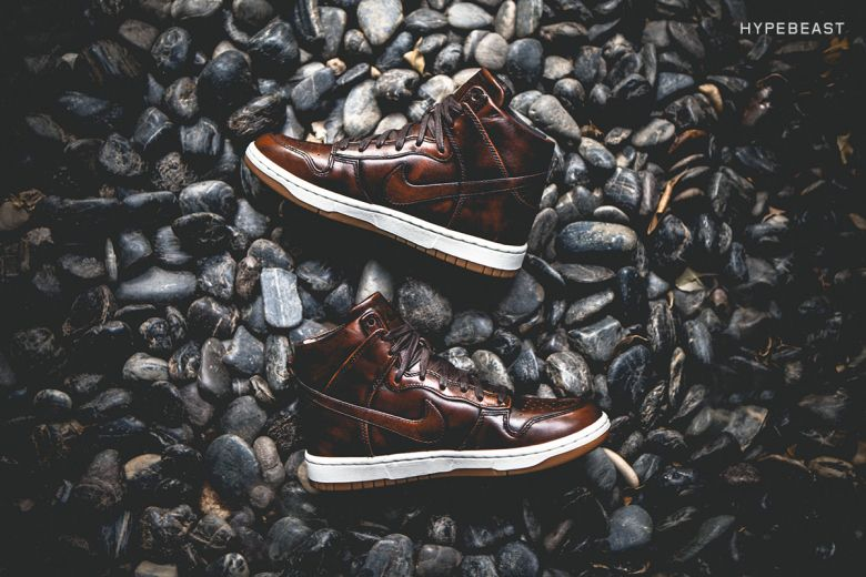 online store 03f15 57ed7 A Closer Look at the Nike Dunk Lux High SP