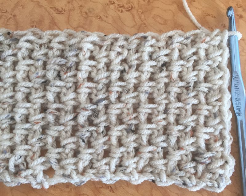Practice Moss Stitch With This Beginners Free Crochet Scarf Pattern
