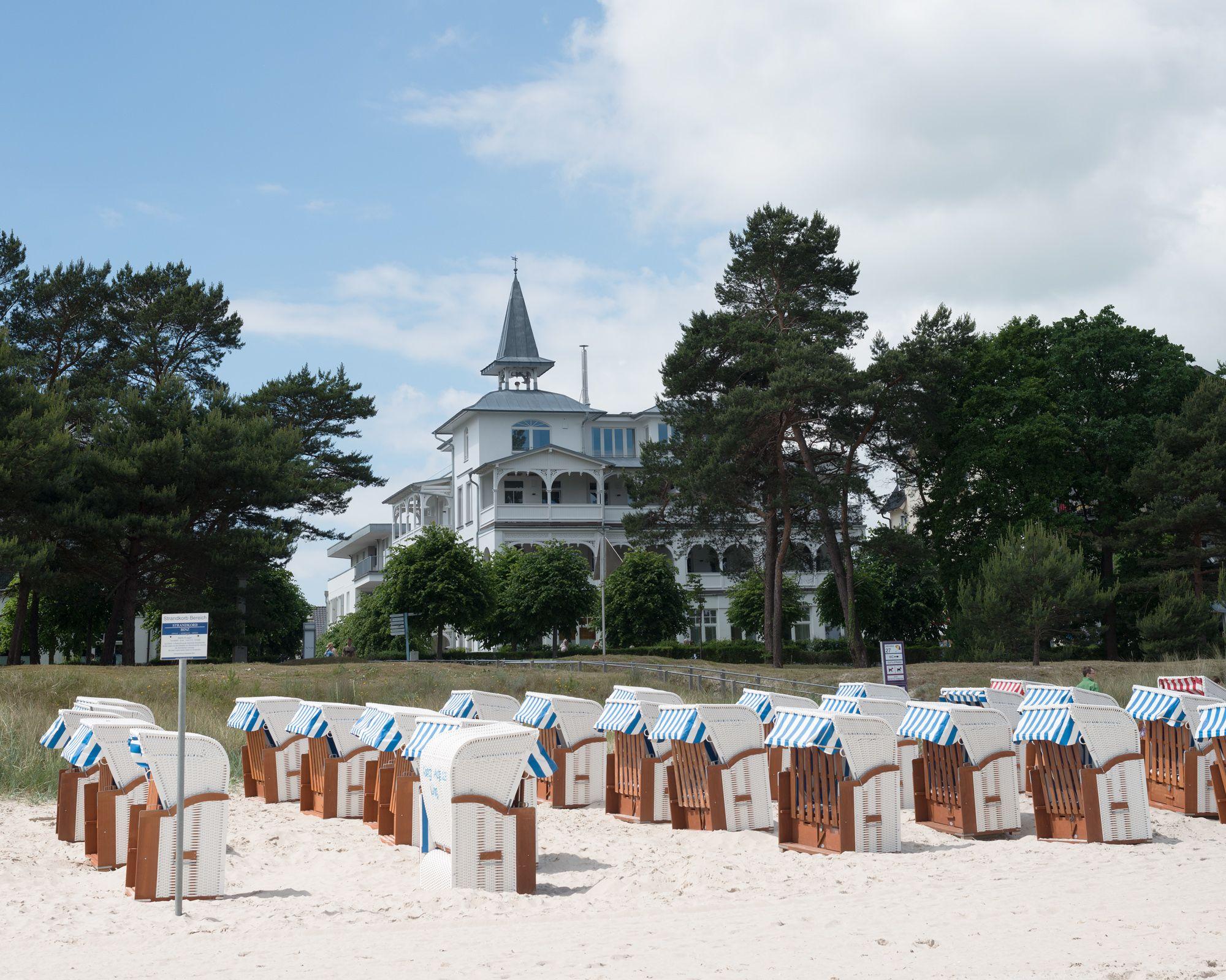 Ansicht der Villa vom Strand in Binz Binz, Villa