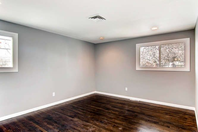 gray walls, white baseboards, dark hardwood floors - Gray Walls, White Baseboards, Dark Hardwood Floors Decorate Your
