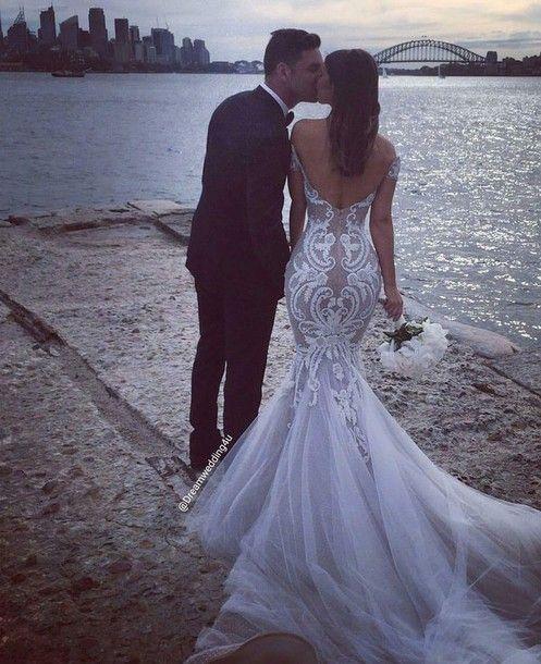7 Best Bodycon Wedding Dresses For Brides Weddingsxp