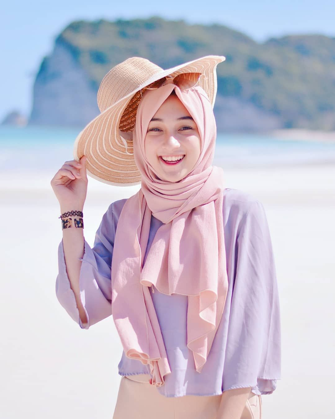 Undefined Pakaian Pantai Baju Pantai Hijab Chic