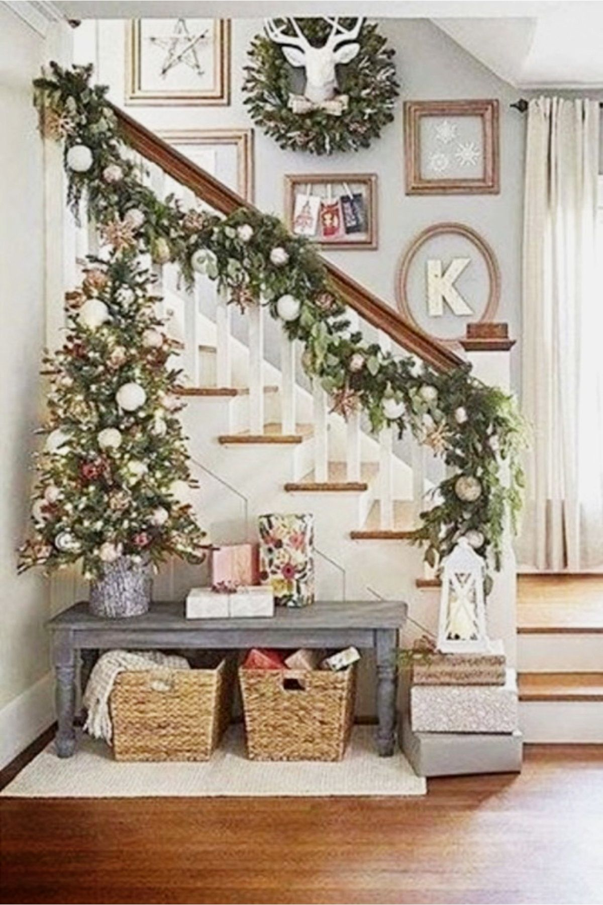 Small Entryways - 29+ Small Foyer Decor Ideas For Tiny ...