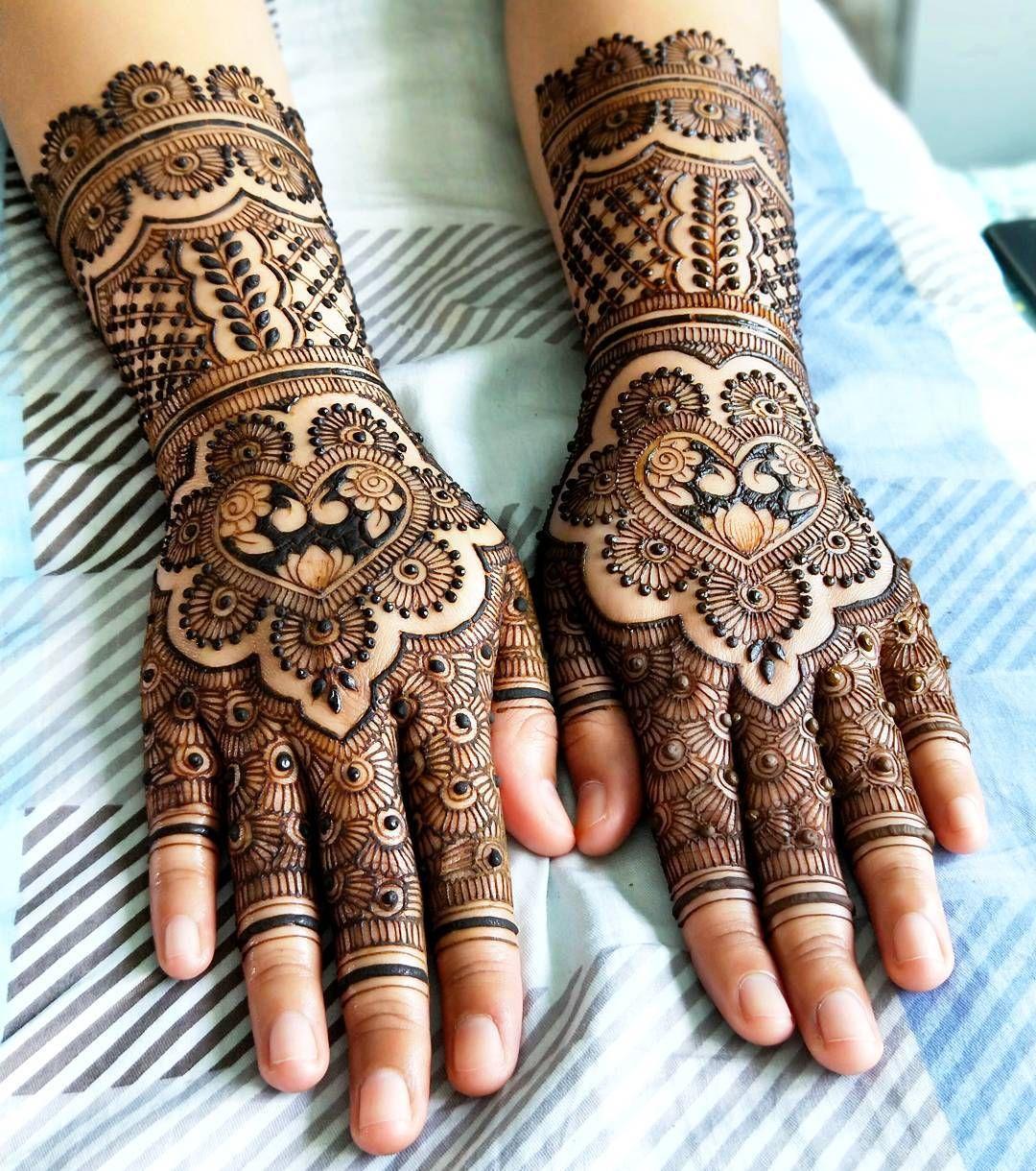 1,175 Likes, 5 Comments Henna Artist SG Singapore