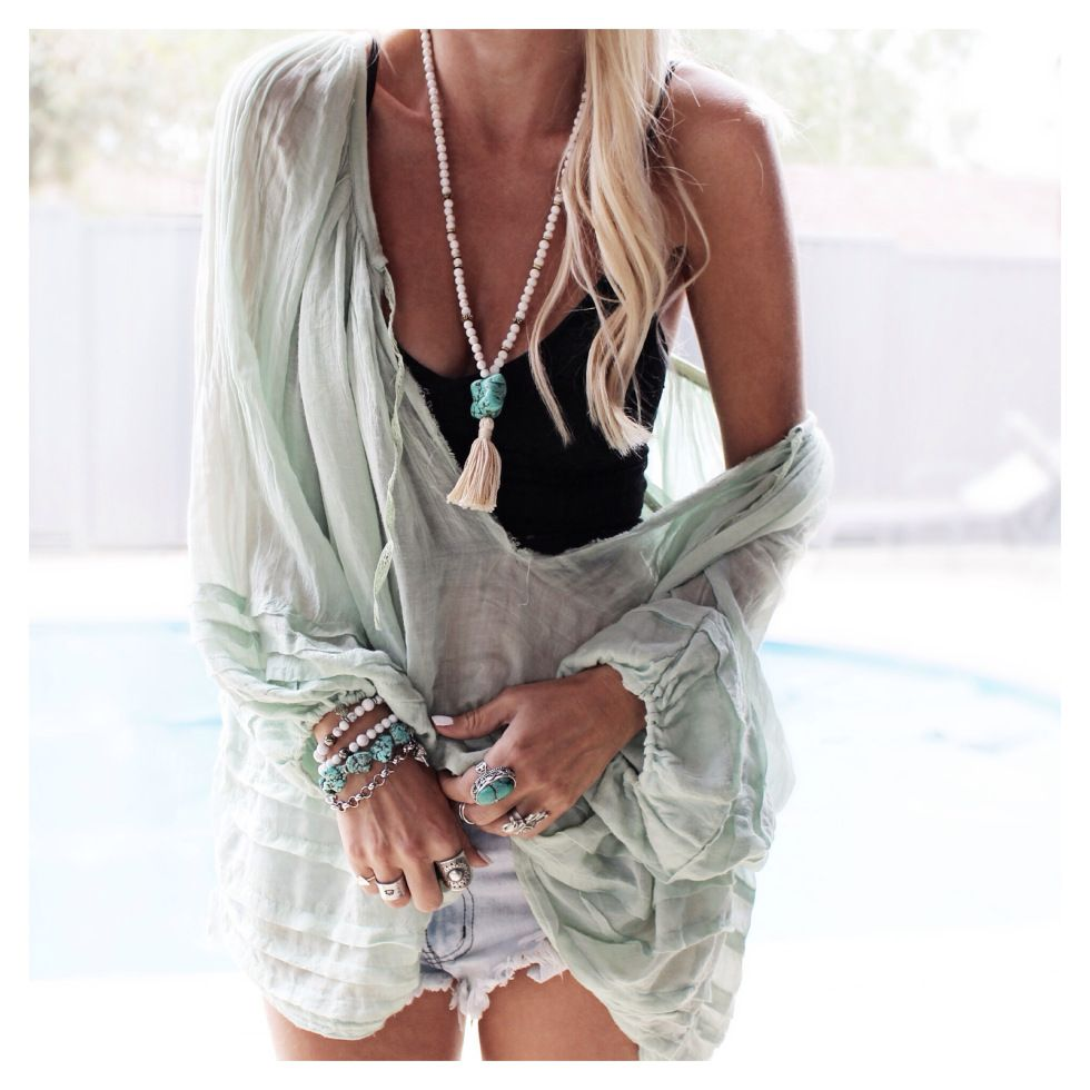 ♥ . . ✿⊱╮. ★ . . ╭✿⊰ ♥ . . ★ . . ♥ ☽★☀☆☾ #bohemian #boho #beautiful #summer #islandstyle #inspiration #feminine #style #creative #fashion #jewels