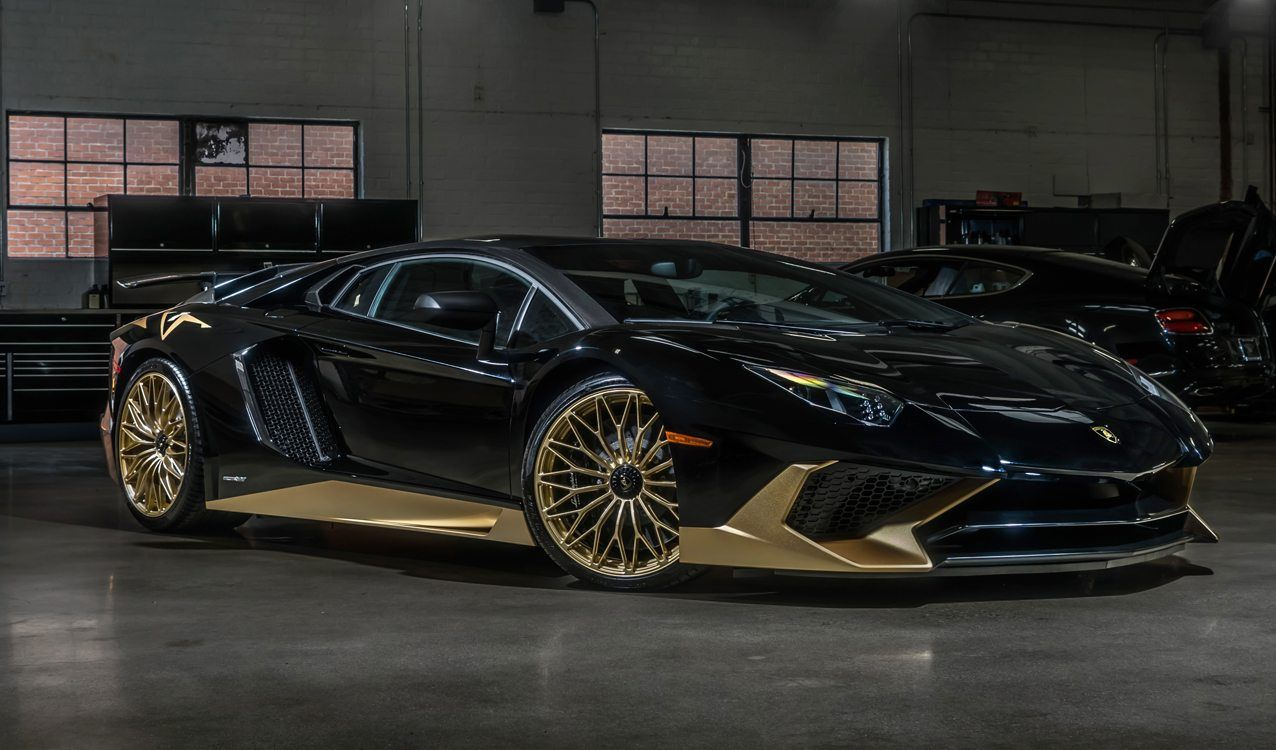 Black And Gold Lamborghini Aventador S Is One Of The Last Carscoops Gold Lamborghini Lamborghini Aventador Lamborghini Cars
