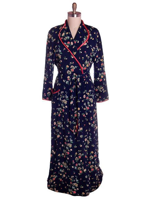 1c1ed0b28b6 Vintage Ladies Quilted Robe Navy Blue Printed Rayon 1940s Large – The Best  Vintage Clothing