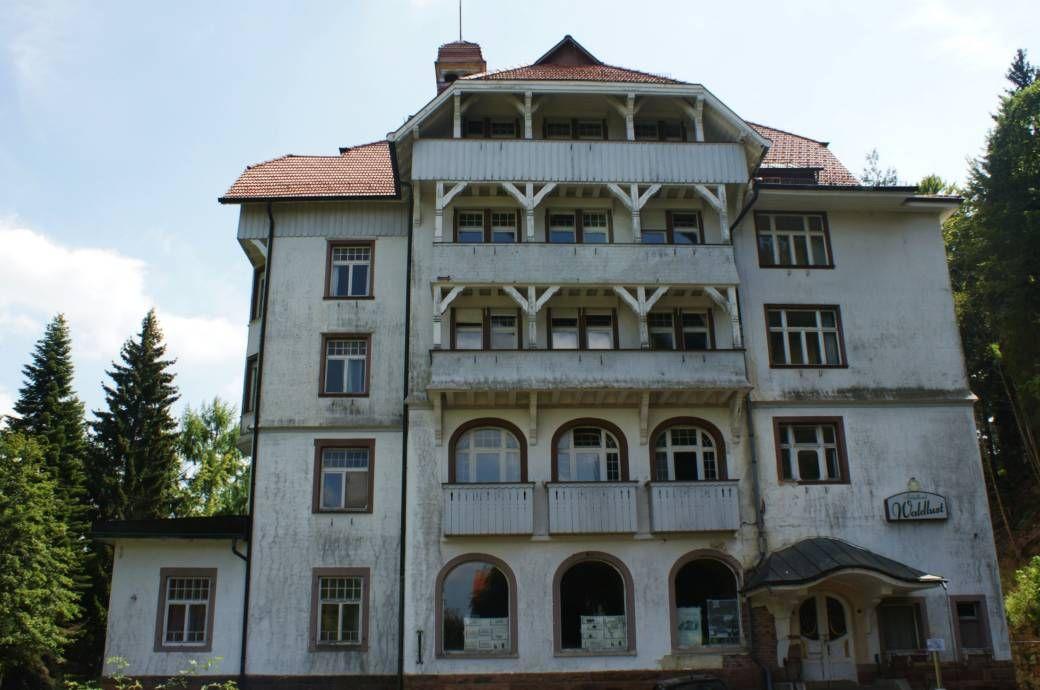 Gruselig Was In Diesem Verlassenen Hotel Im Schwarzwald Passiert