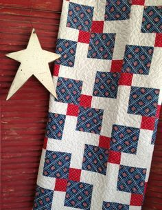 Shop Sample Quartered Nine Patch Finished Quilt Approx 52 X 52 Quilts Patriotic Quilts Patch Quilt