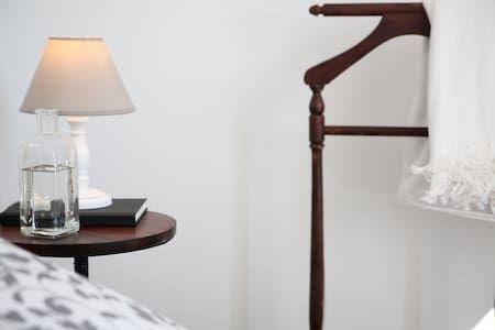 ático Con Terraza En La Latina Apartment Madrid Airbnbs