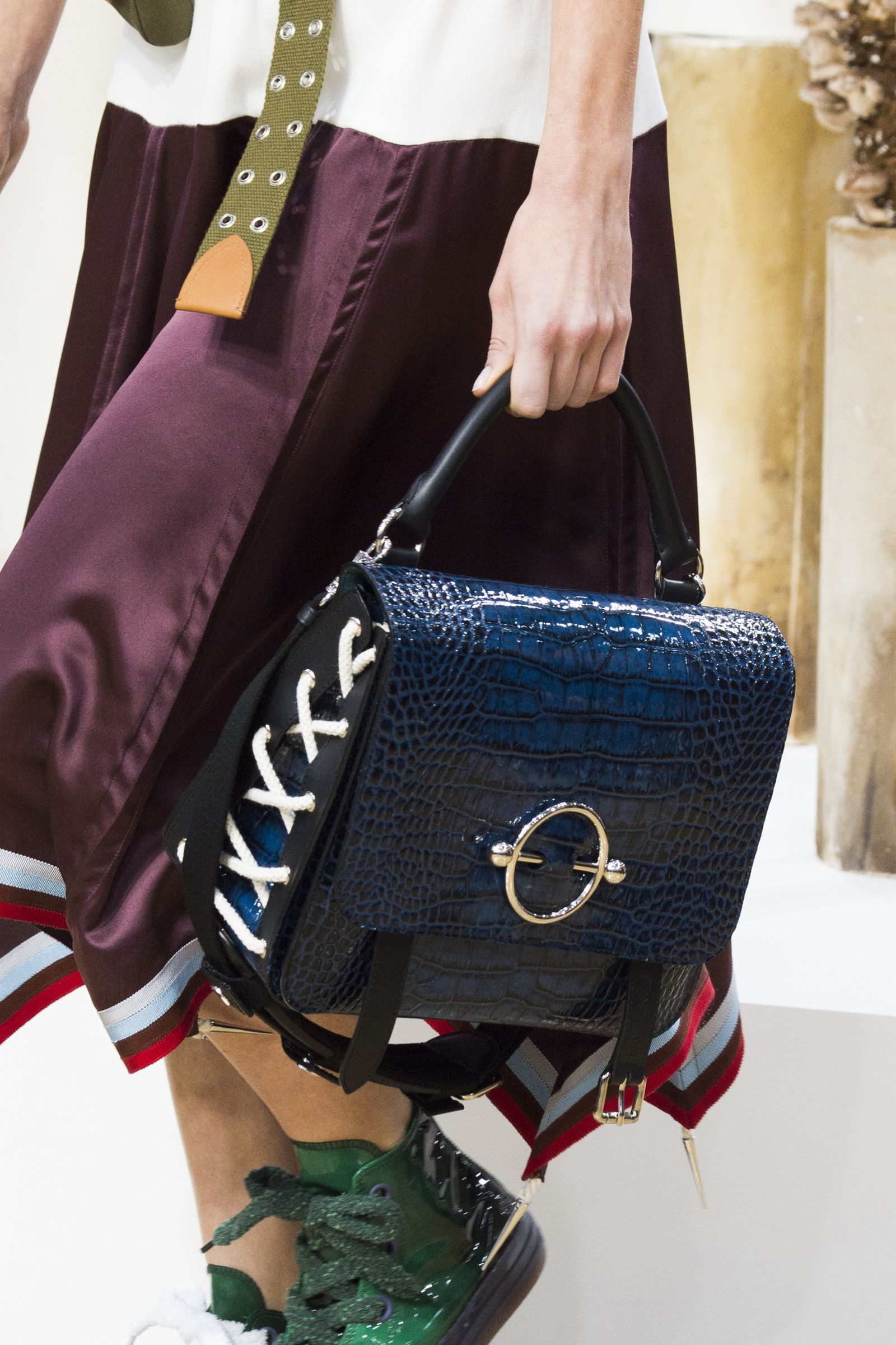 7 Fall Bag Trends That Are About To Take Over  bcbea47e5f5
