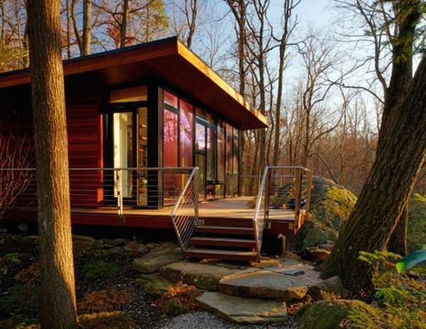Set in a wooded area, this 300-square-foot studio retreat in Chappaqua, New York, is nestled between... - T.G. Olcott