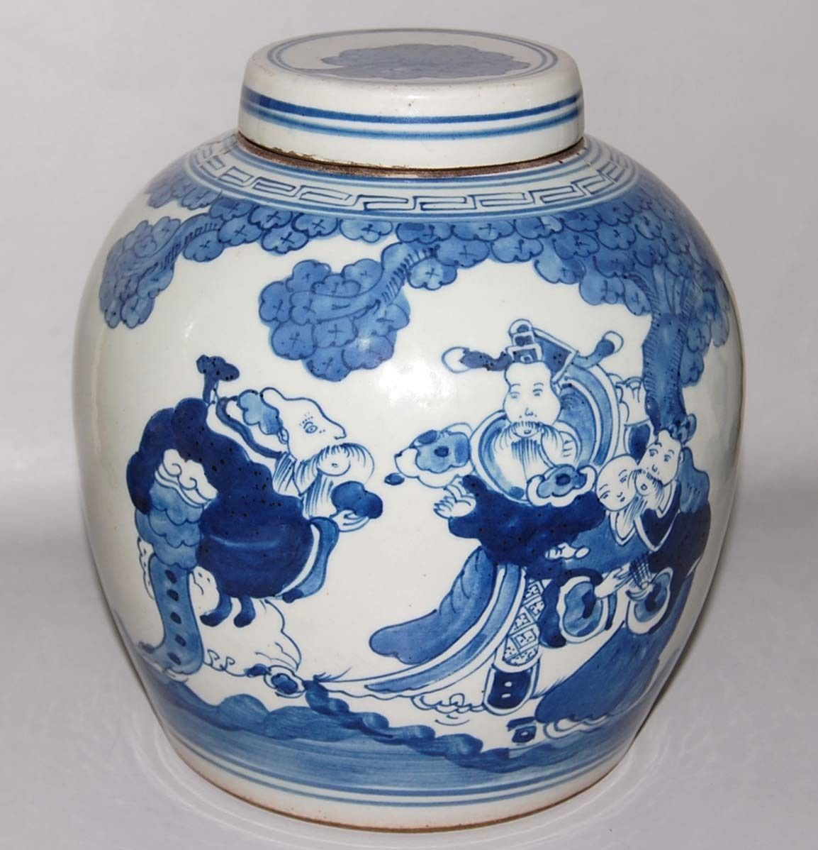 Antique chinese blue white porcelain covered jar or vase ebay antique chinese blue white porcelain covered jar or vase ebay reviewsmspy