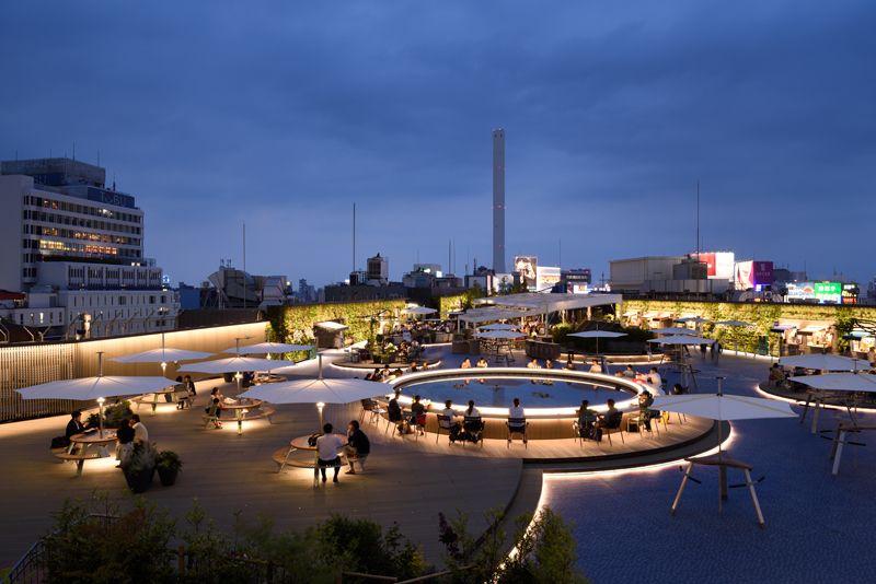 ターミナル駅(池袋駅)に直結する西武池袋本店の屋上の改修計画。 印象派の画家「クロード・モネ」の風景画から