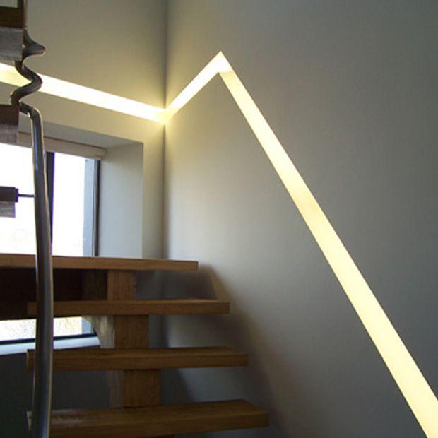 profil blade d 39 clairage encastr dans un escalier eclairage belles id es lumineuses. Black Bedroom Furniture Sets. Home Design Ideas