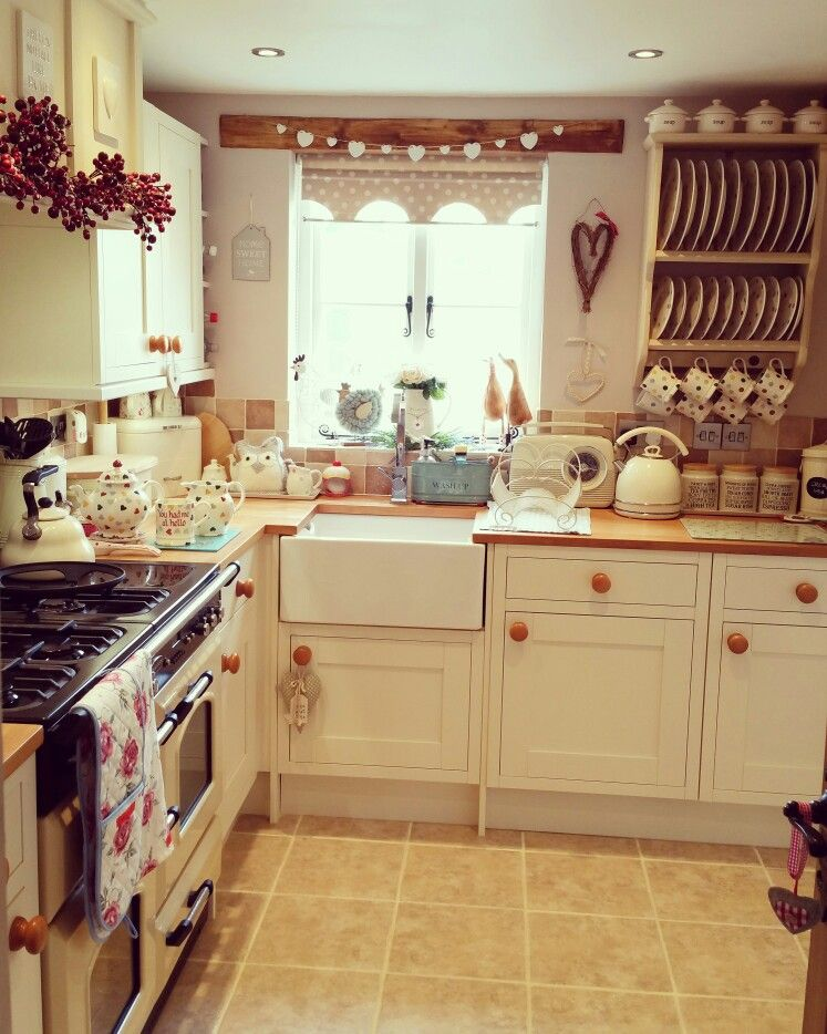 Pin by trish  on Cozy Country Cottage | Pinterest ...