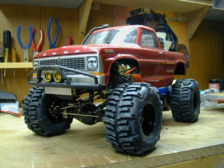 This Looks Almost Like My Truck Very Nice Looks Like Tamiya Axles Under There 1970 F100 Proline Body Swamp Dawgs Ti Model Cars Kits Monster Trucks Rc Cars