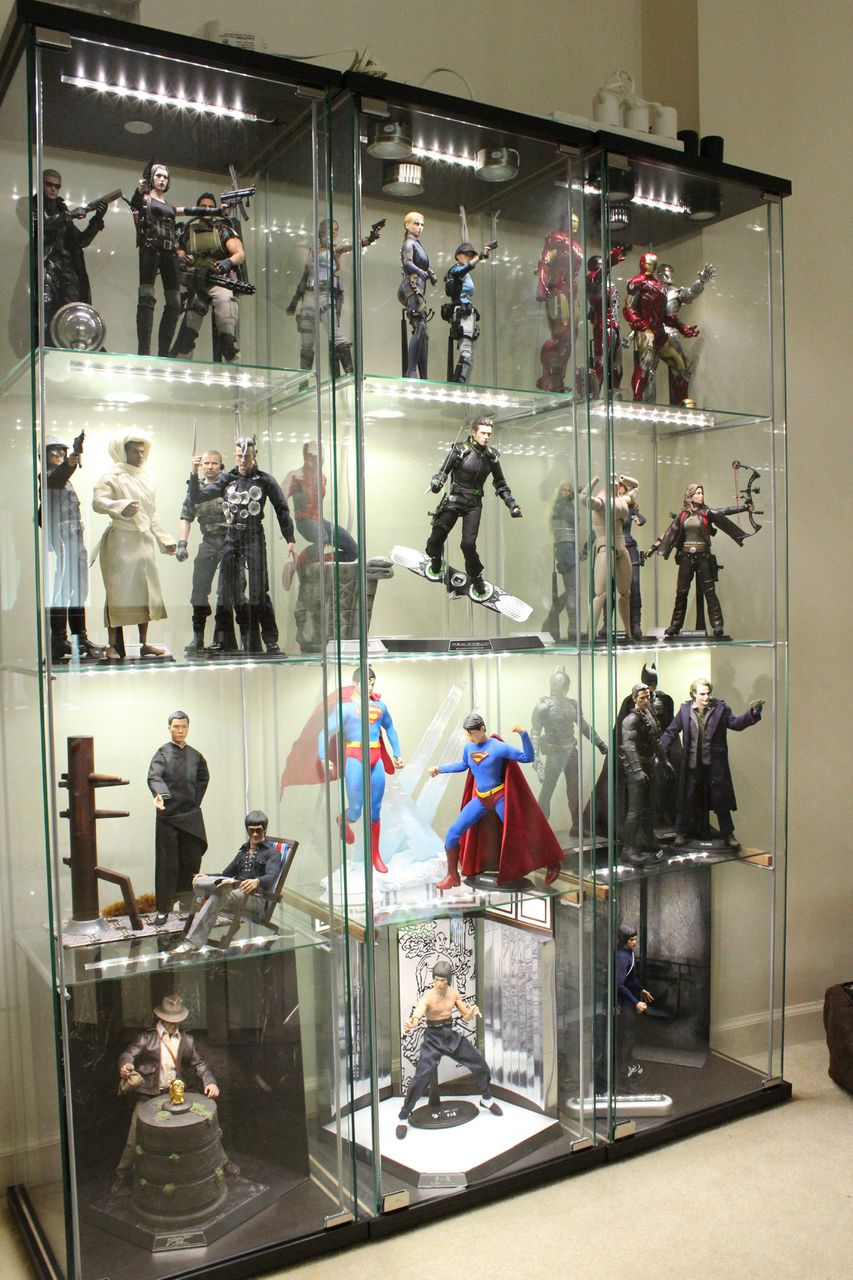 Hot toys collection showcase wow a dream come true for Hot toys display case ikea