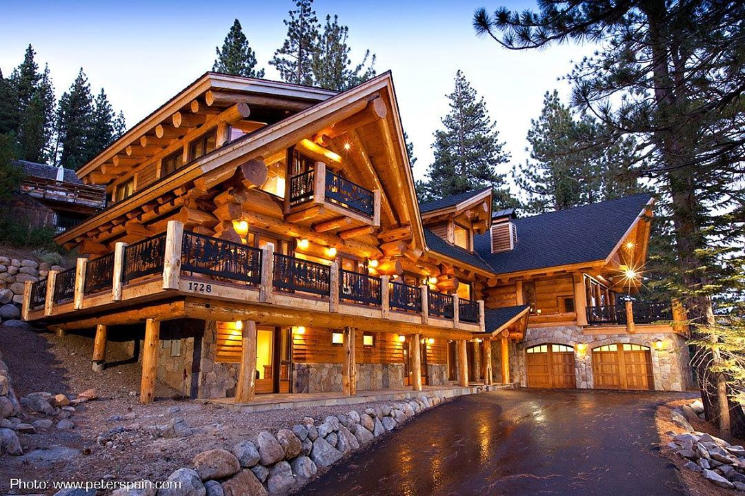 pioneer log homes of british columbia 39 s photo make mine. Black Bedroom Furniture Sets. Home Design Ideas