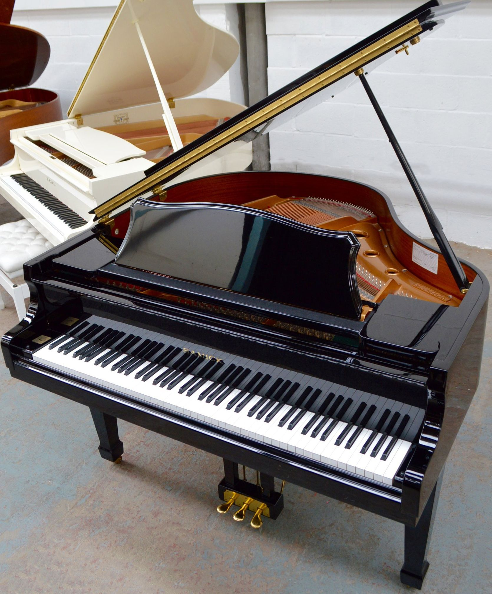 This Baby Grand Piano Has Been Designed In Germany By Klaus Fenner And Then Manufactured By Korean Company Samick Samick A Baby Grand Pianos Piano Grand Piano