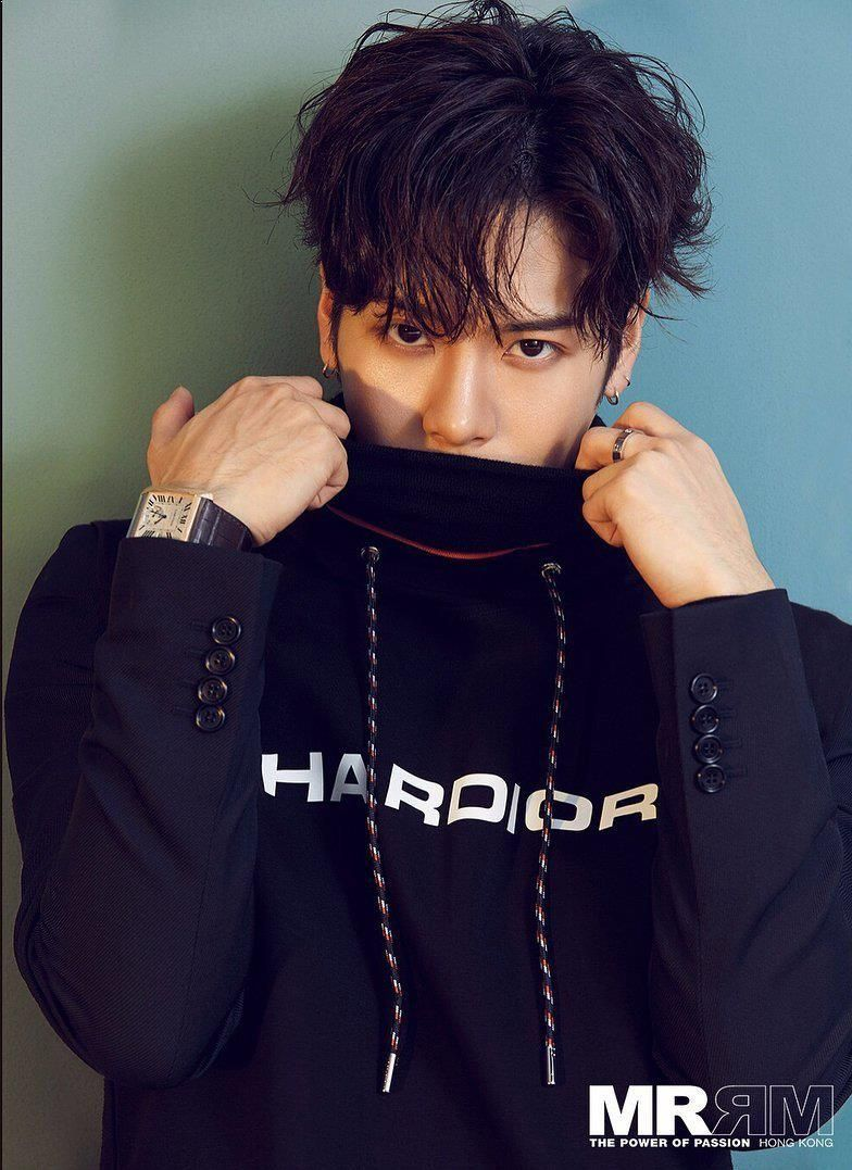 Jackson Seems To Look Cool In Photos Like This But Then You See What He Is Actually Like And Its So Different Got7 Jackson Jackson Wang Got7