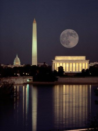 Moonrise over the Lincoln Memorial, Washington D.C.