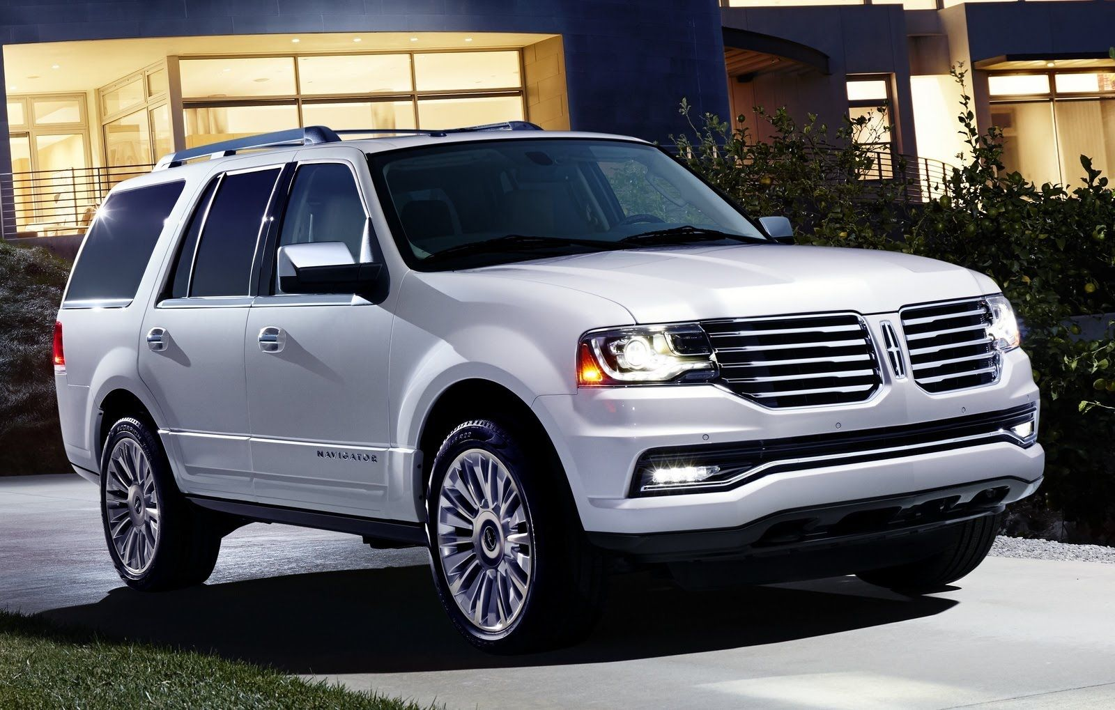 Top 10 Gest Suvs In The World 2016 2017