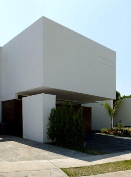Las casas o rodolfo gomez 2 semi detached houses for Fachadas de casas modernas en queretaro