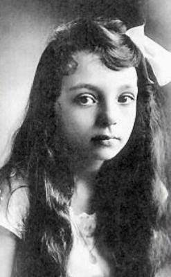 Writers - Marguerite Duras | Portrait, Writers and poets, Writer