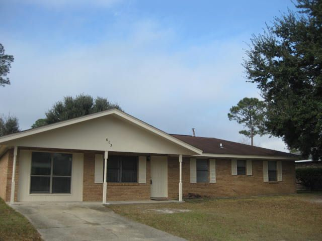 MS Gulf Coast Home For Sale! Looking for potential rental income? This is it!