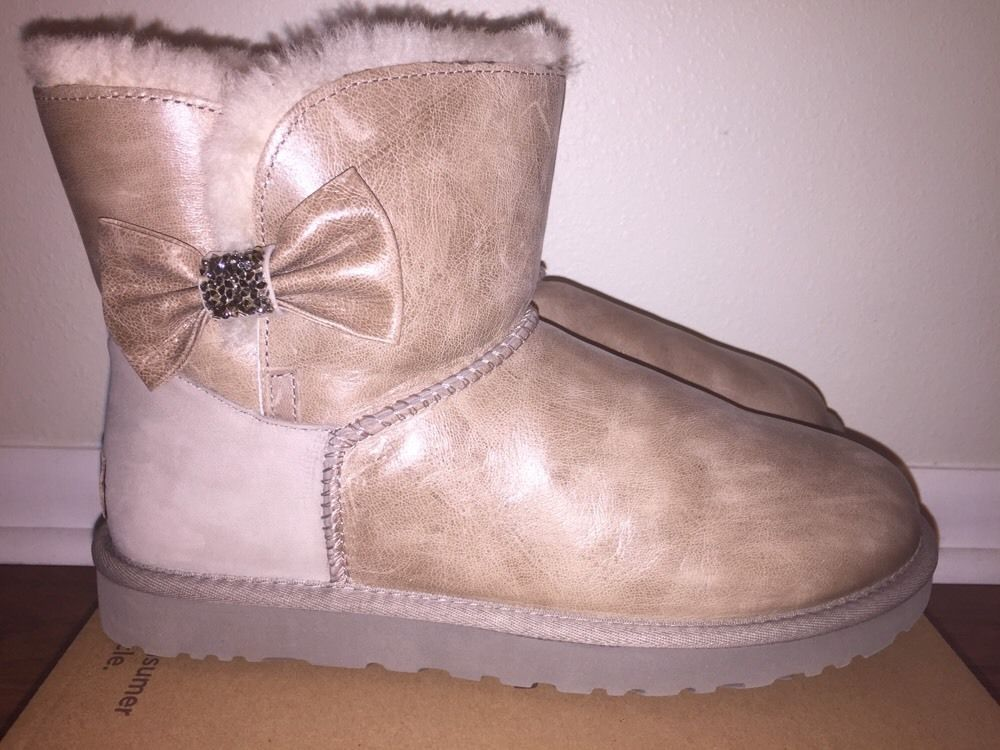 bddbe2868ae Details about Ugg Australia Women's Mini Bailey Bow II Glam Boots ...